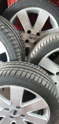 4 pneumatici nuovi fiesta 195/45 R16-84V