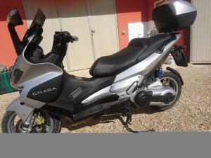 Gilera nexus 500 del 2005