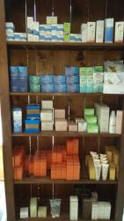 Librerie In Legno Massello rifinite in Gommalacca