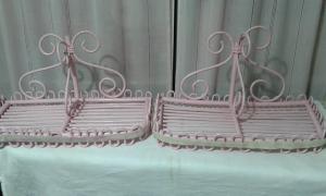 mensole in legno rosa