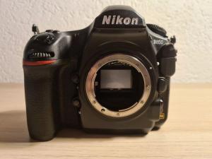 Nikon D850 nella confezione originale