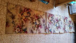 tappeto d'epoca in lana anno 1970 dimensioni cm306xcm68