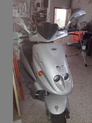 Vendo scooter phantom F12